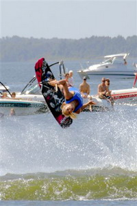 Chris_W_female_competitor_-Wakeboard_Competition_9-10-05_081tt_2_1_