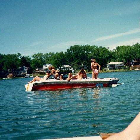 933Bikini_Boat